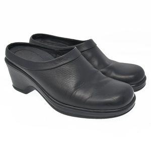 DANSKO Sz 7 Black Leather Slip On Mule Clogs